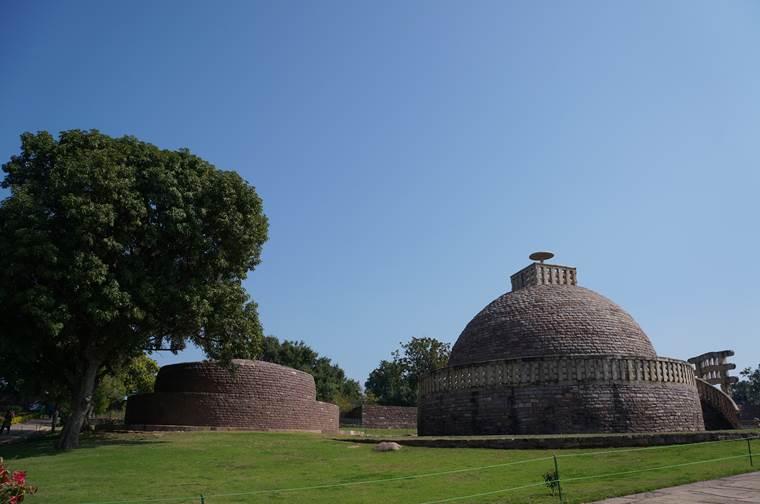 サーンチー第3塔 ストゥーパ サーリプッタとモッガラーナの墓