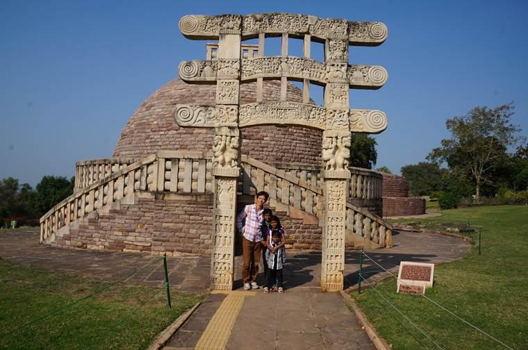 サーンチー第3塔 ストゥーパ サーリプッタとモッガラーナの墓2